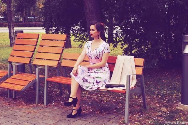 retro vintage styl saty pin-up blogerka