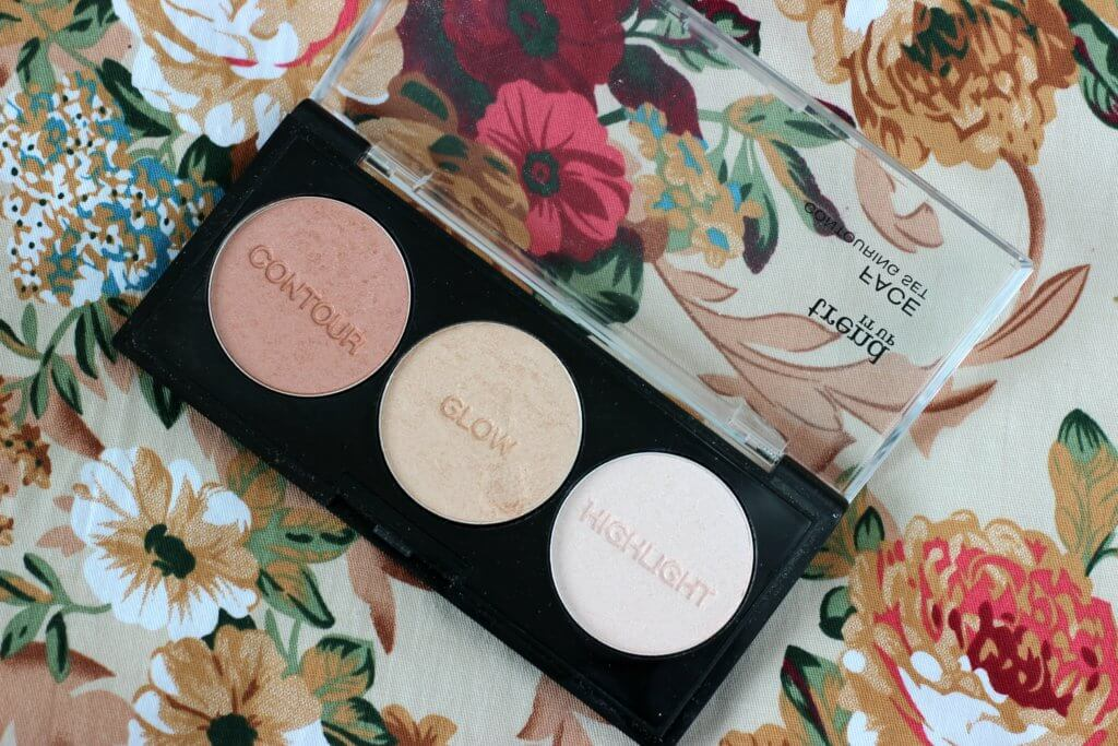 trend it up konturovacia paleta face contouring set glow highlight